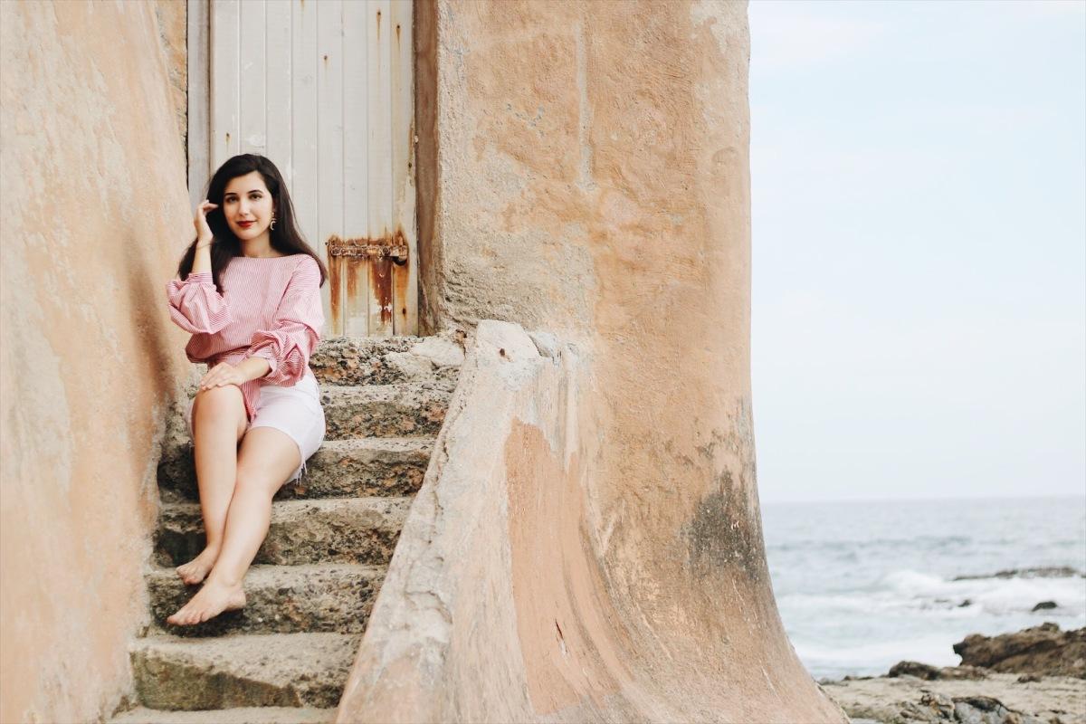 Laguna Beach, Victoria Beach, California, Zara, lookbook, beach outfit, white shorts, statement earrings
