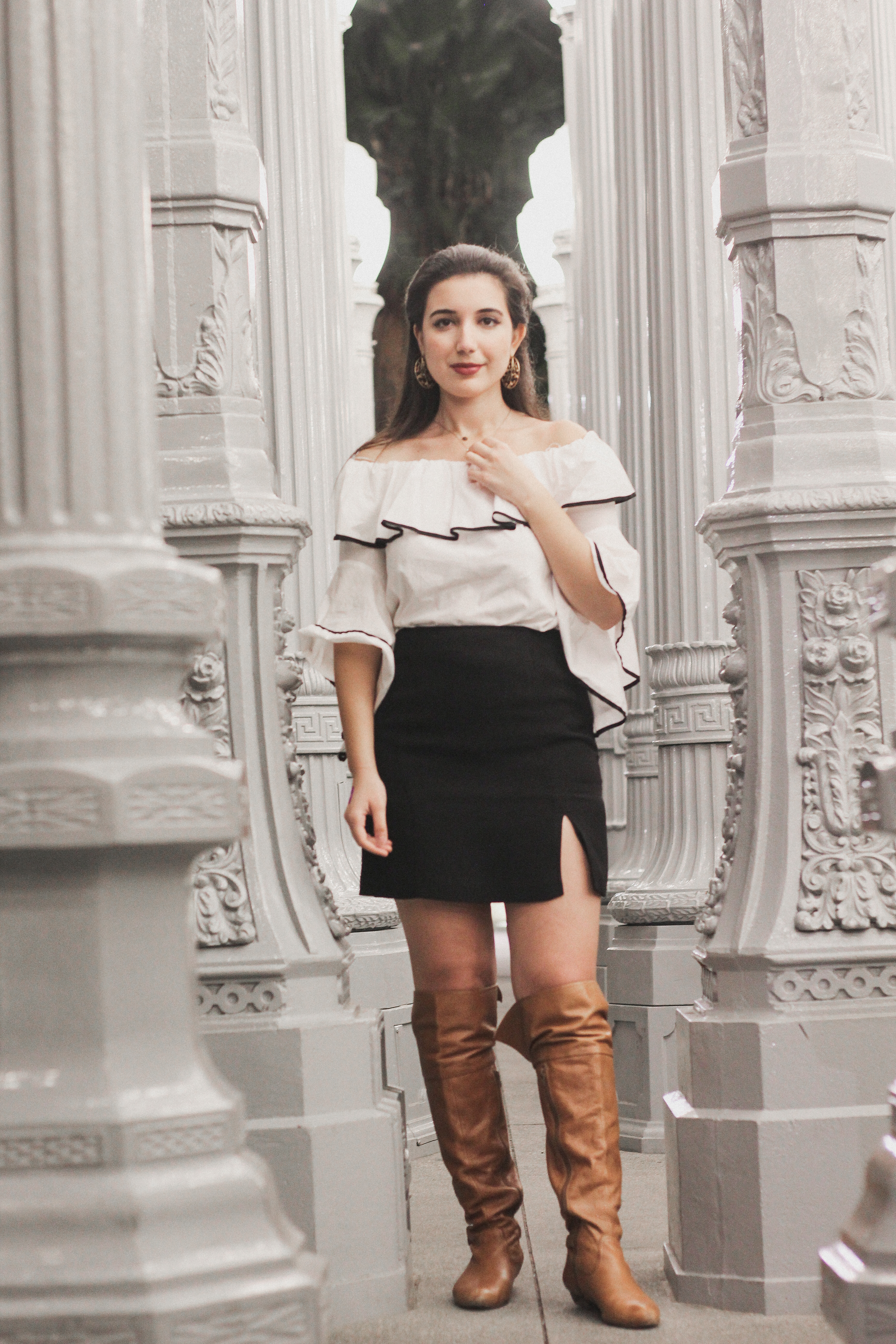 LA, Los Angeles, LACMA, Los Angeles County Museum of Art, lookbook, fashion blogger, ootd, ootn, lotd, belle sleeves, off the shoulder, black skirt, gold hoop earrings, Zara, Juicy Couture, LA street style, street style, influencer, fashion, style, fall fashion, fall style, photoshoot