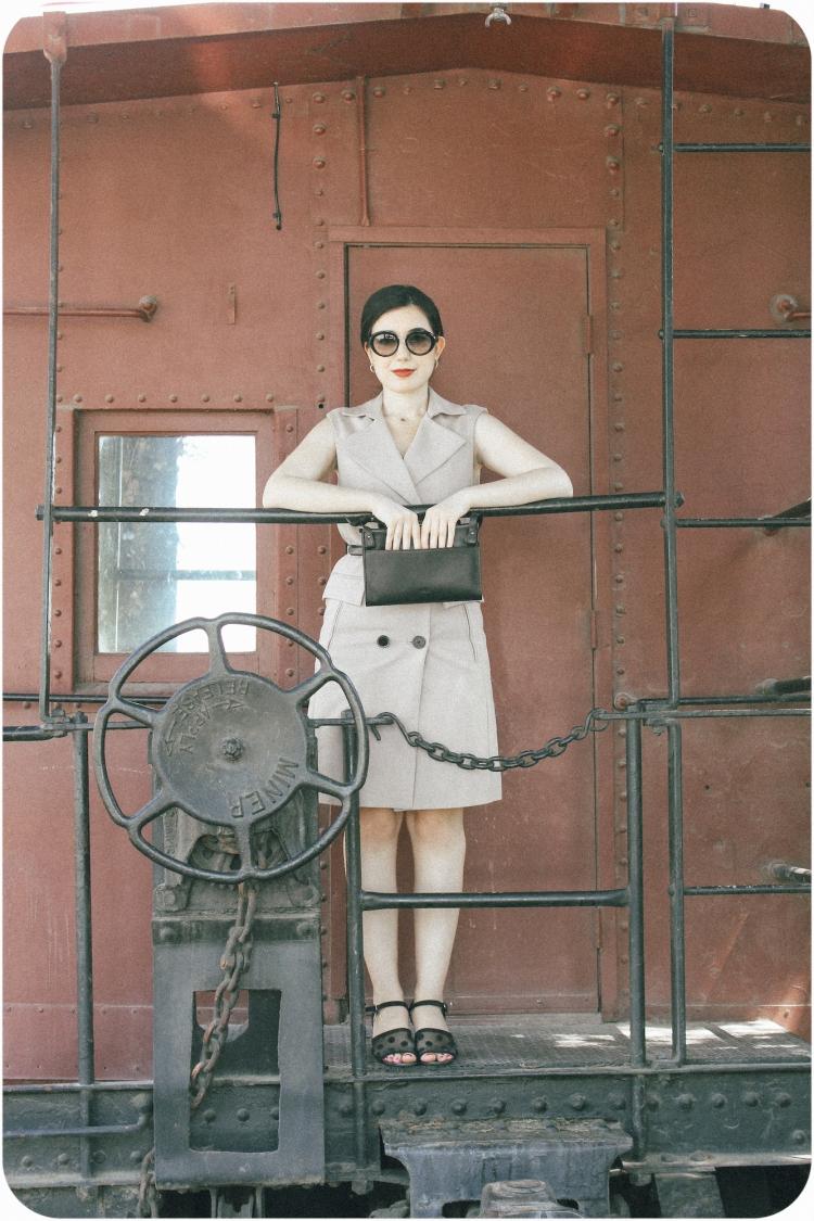vintage fashion, ootd, fashion blogger, travel blogger, Old Hollywood, retro fashion, travel, Zara, Prada, ethical fashion, sustainable fashion, red lips