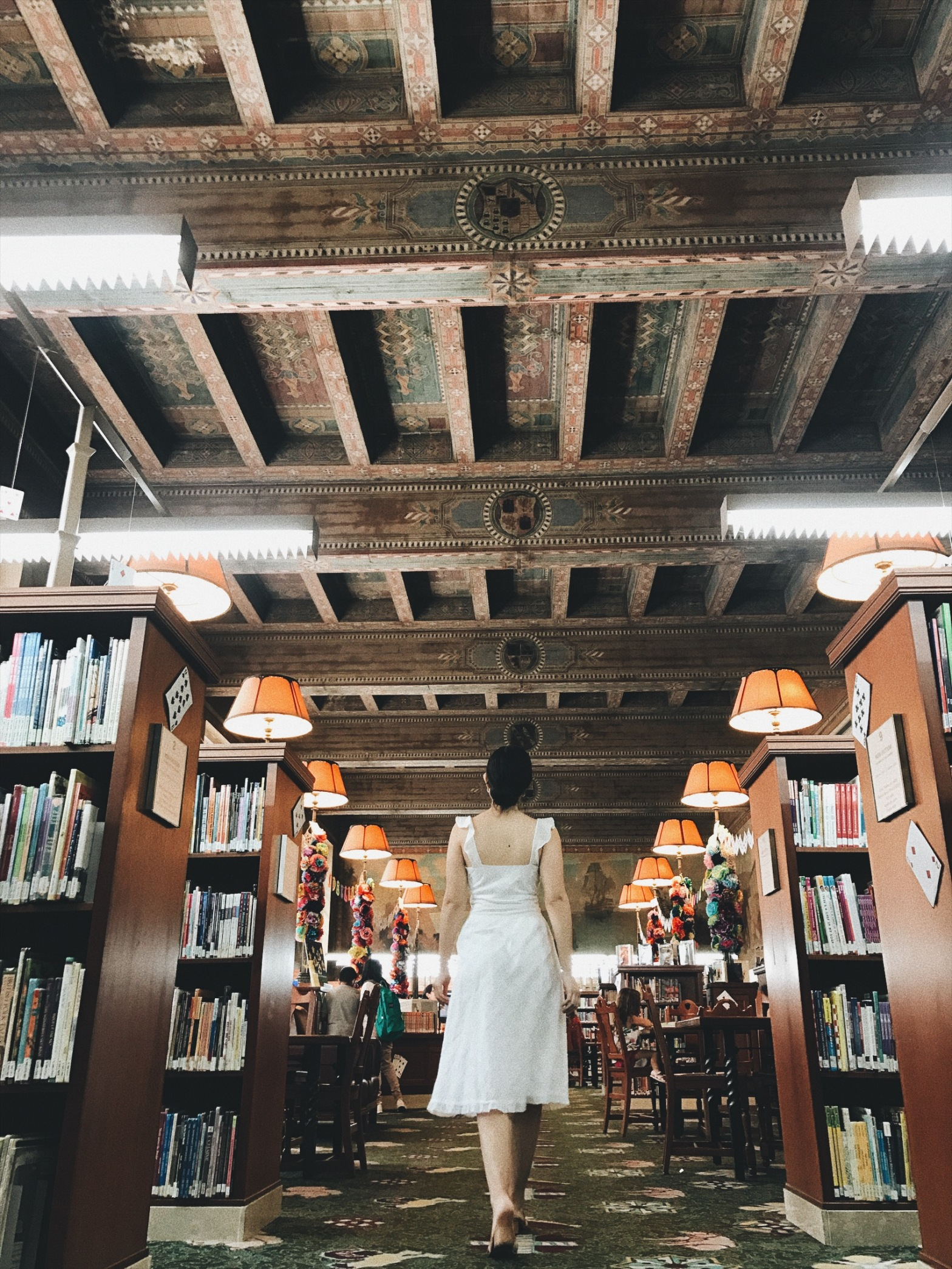 fashion blogger, style blogger, bibliophile, ootd, lookbook, white dress, library, top libraries, books, bookish, Los Angeles, DTLA Los Angeles Central Library, Downtown Los Angeles