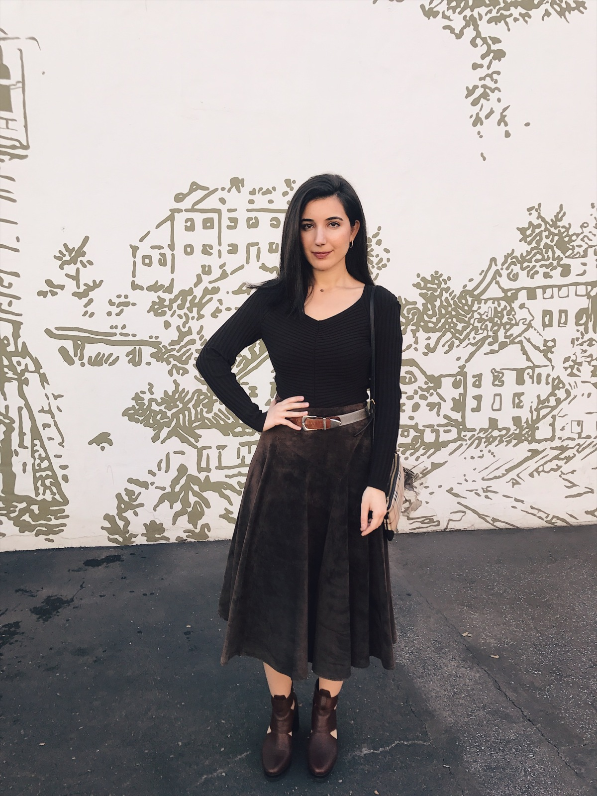 Fashion blogger wearing Monochromatic outfit