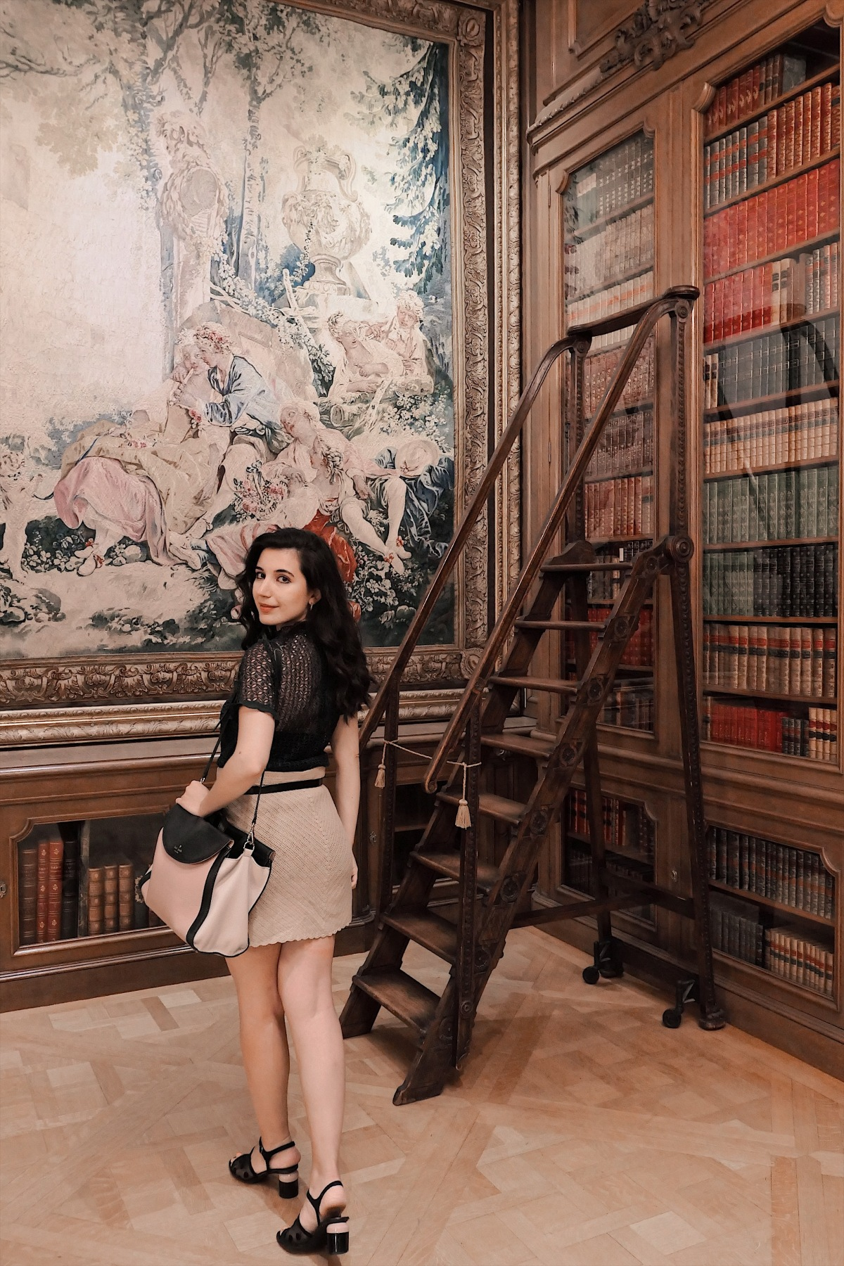 Huntington Library, Huntington Library and Botanical Gardens, lookbook, fashion blogger, lifestyle blogger, art, culture, ootd, Zara, Calvin Klein, lace top, curly hairstyle, girly style, vintage style, summer fashion, summer style, summer 2019 lookbook