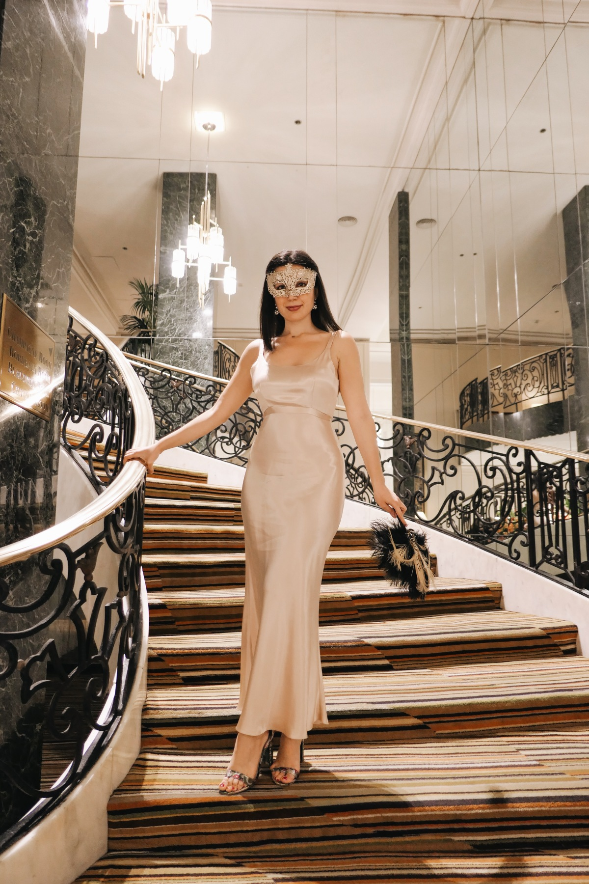 Beverly Hills, Downtown Beverly Hills, evening gown, vintage, masquerade, vintage fashion, vintage dress, satin dress, 1940s dress, Steve Madden, luxury fashion, fashion blogger, LA blogger, lifestyle blogger, lookbook, outfit of the day, look of the day, what I wore, open-toed heels, shawl