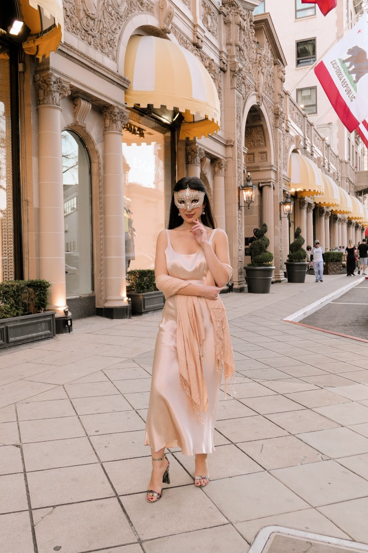 Beverly Hills, Downtown Beverly Hills, evening gown, vintage, masquerade, vintage fashion, vintage dress, satin dress, 1940s dress, Steve Madden, luxury fashion, fashion blogger, LA blogger, lifestyle blogger, lookbook, outfit of the day, look of the day, what I wore, open-toed heels, shawl, Beverly Wilshire