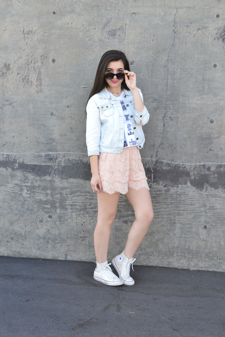 new year, new decade, 10 year challenge, fashion, personal style, fashion blogger, self reflection, self growth, what I wore, wardrobe choices, edgy style, converse sneakers, jean jacket, pink lace shorts