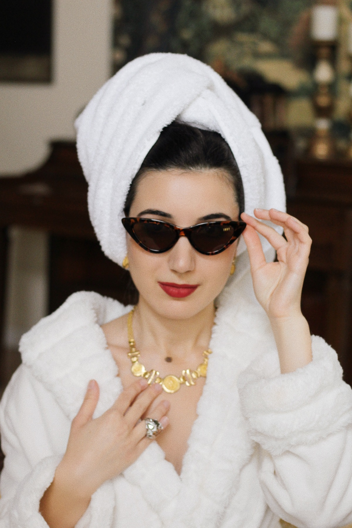 social distancing, binge watch, Netflix and Chill, COVID19, coronavirus, spa outfit, vintage, Sophia Loren, beauty, health and wellness, fashion documentaries, white robe, red lipstick, gold jewelry, Vogue, vintage fashion photos, outfit of the day, high fashion, outfit of the day, look of the day, style diary, indoor activities, R&R, rest and relation, pampering