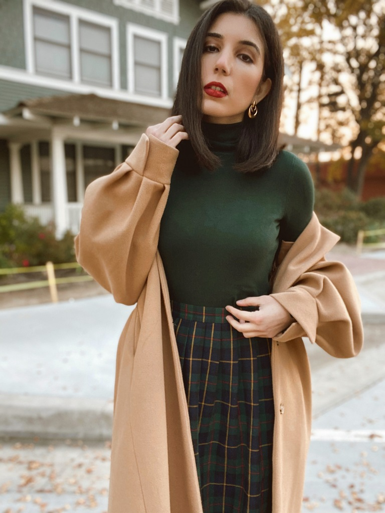 Christmas, Christmas outfit, holiday style, holiday fashion, turtleneck, pearl earrings, festive fashion, festive, fashion blogger, outfit ideas, outfit of the day, how to wear, Zara, Plaid, plaid skirt, green and red, Storets, trench coat, puffy sleeves, beige coat, outerwear, belted coat,